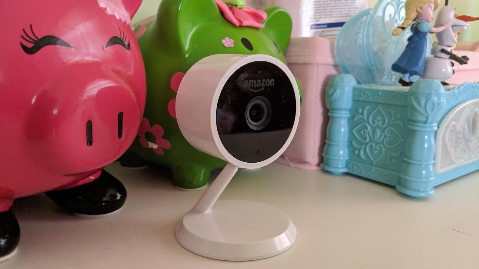 Хакери викрали приватні відео з камер спостереження та виклали їх на порносайтах